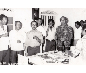 Henry Peiris with Sama Samaja leaders